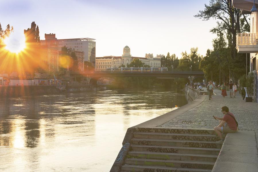 Den lauen Sommerabend spüren in Wien.